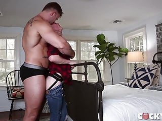 DADDY FUCK HIS SON. (BAREBACK).