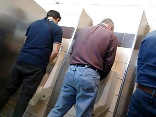 SilverFox Daddy taking a piss